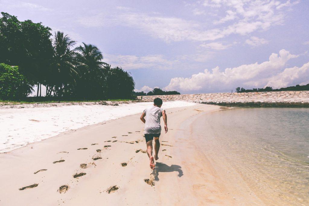 ריצה על החוף
